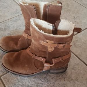Ugg cowboy style boots
